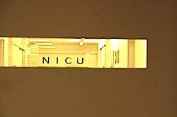 新生児集中治療室(NICU)